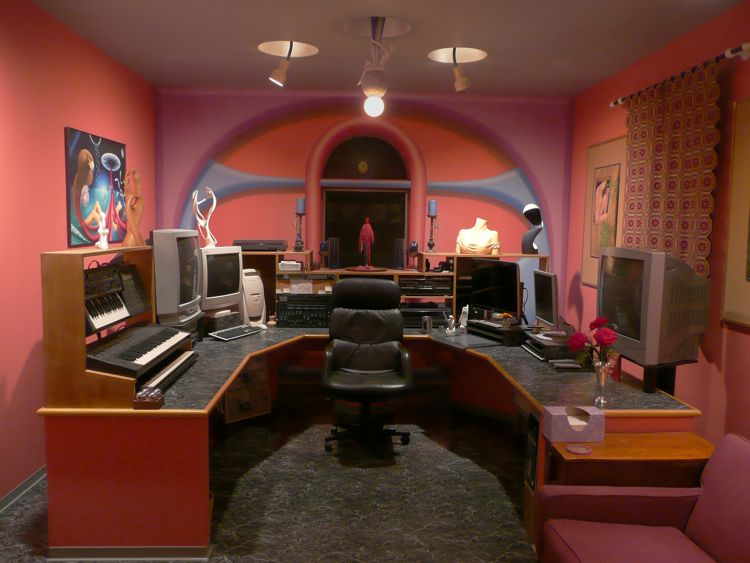 Thomas Haney's Electronic room